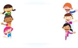 Jonge geitjes met lege witte banner Royalty-vrije Stock Afbeeldingen
