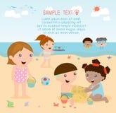 Jonge geitjes op het strand, kinderen die op het strand, de zomeractiviteiten spelen van kinderen Royalty-vrije Illustratie