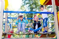 Jonge geitjes op speelplaats royalty-vrije stock foto
