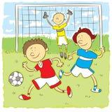 Jonge geitjes playng voetbal Royalty-vrije Stock Foto