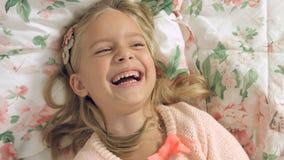 Jonge geitjesemoties van geluk en vreugde Royalty-vrije Stock Foto's