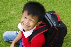 Jonge geitjesschooltas Stock Foto's