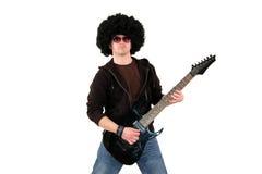 Jonge gitarist die een zwarte elektrogitaar speelt Royalty-vrije Stock Foto