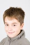 Jonge glimlachende jongen Royalty-vrije Stock Afbeeldingen