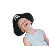 Jonge glimlachende jongen die piraathoed draagt Stock Foto