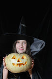 Jonge Halloween heks Stock Foto
