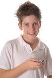 Jonge jongen die aan muziek verticale upclose luistert royalty-vrije stock foto's