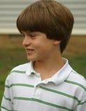 Jonge jongen die - glimlacht Royalty-vrije Stock Fotografie
