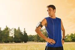 Jonge Jongen die na Jogging rusten Royalty-vrije Stock Foto's