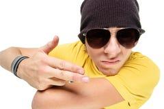 Jonge kerel in zonnebril Royalty-vrije Stock Afbeelding