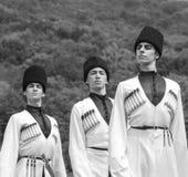 Jonge kerels in de nationale kostuums van Adyghe Stock Fotografie