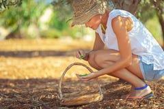 Jonge landbouwersvrouw stock afbeelding