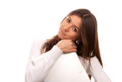 Jonge laptop van de donkerbruine vrouwen mooie holding Stock Afbeelding
