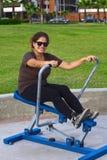 Jonge Latina opleiding in een park Royalty-vrije Stock Afbeelding