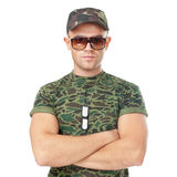 Jonge legermilitair die zonnebril dragen Stock Foto