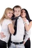 Jonge man en twee jonge vrouwen Royalty-vrije Stock Fotografie