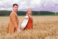 Jonge man en vrouw. Royalty-vrije Stock Afbeeldingen