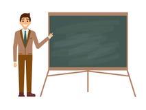 Jonge mannelijke leraar tegen bord in klaslokaal op wit Professor die op boardon op les tonen vlak Stock Fotografie