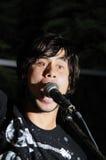 Jonge mannelijke vocalist Royalty-vrije Stock Afbeeldingen