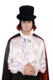 Jonge mens in een kostuum van Telling Dracula royalty-vrije stock afbeelding