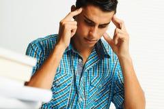 Jonge mens het concentreren zich Stock Foto