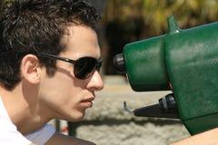 Jonge mens het kijken Stock Fotografie