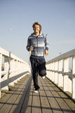 Jonge mens het lopen Stock Foto