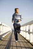 Jonge mens het lopen Stock Fotografie