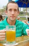 Jonge Mens met Bier Royalty-vrije Stock Foto's