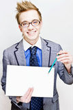 Jonge mens met een nota Stock Fotografie