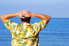Jonge mens op vakantie Stock Afbeeldingen