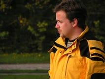 Jonge mens openlucht stock fotografie