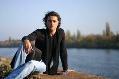 Jonge mens in openlucht Stock Afbeelding