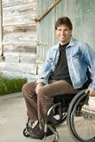 Jonge mens in rolstoel Royalty-vrije Stock Fotografie