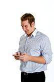 Jonge Mens Texting met Slimme Telefoon Stock Foto's