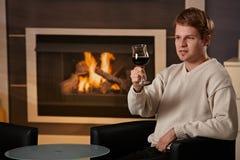 Jonge mens thuis Royalty-vrije Stock Fotografie