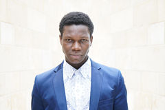 Jonge mens van Afrikaanse afdaling stock afbeeldingen