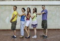 Jonge mensen die pret hebben Royalty-vrije Stock Foto