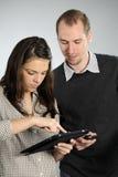 Jonge mensen die samen bestuderen Royalty-vrije Stock Foto