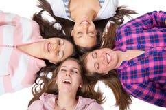 Jonge mensen met ogen het gesloten glimlachen royalty-vrije stock foto