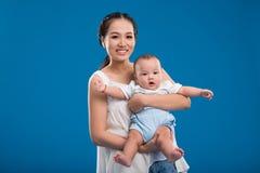 Jonge moeder Stock Fotografie