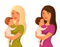 Jonge moeder die haar baby houdt Royalty-vrije Stock Afbeeldingen