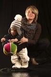 Jonge Moeder met de Zoon van de Baby Stock Afbeeldingen
