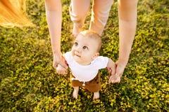 Jonge moeder met haar babyzoon royalty-vrije stock afbeeldingen