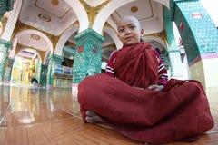 Jonge monnik in Myanmar Royalty-vrije Stock Foto's