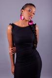 Jonge mooie Afrikaanse Amerikaanse vrouw Stock Foto