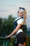 Jonge mooie blonde vrouw Stock Foto's