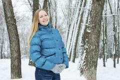 Jonge mooie blonde vrouw Stock Afbeeldingen