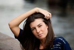 Jonge mooie brunette stock foto