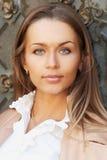 Jonge mooie dame royalty-vrije stock afbeelding